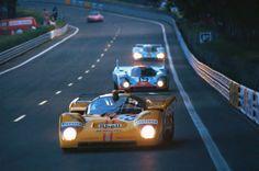 Le Mans 1971 .  Vaccarella / Juncadella (Ferrari 512M), Attwood / Muller ( Porsche 917K ) and Rodriguez / Oliver (Porsche 917LH) .