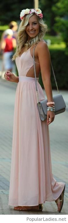 Simple long light nude dress with amazing accessories