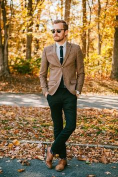 Casual fall outfit, love the blazer Sharp Dressed Man, Well Dressed Men, Moda Formal, Herren Outfit, Mens Fall, Suit And Tie, Looks Style, Men's Style, Classy Style