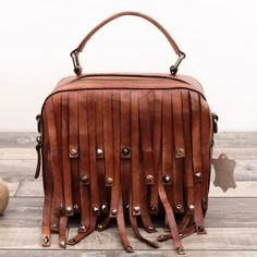 Designer Handbags High Quality Head Layer Cowhide Retro Small Bag Genuine Leather Trunk Totes Tote Vintage Soft &Amp; Crossbody Bags-Punk Handbags