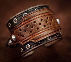 Bracelet cuir bracelet rock effet usé par BanditLeather sur Etsy