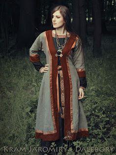Kaftan--an alternative outerwear idea for the ren fest.