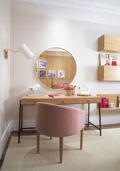 Inspiração quartos femininos: quem decide é você! Home Bedroom, Room Decor Bedroom, Bedrooms, Single Bedroom, Pretty Room, Home Office Organization, Room Planning, Dream Decor, New Room