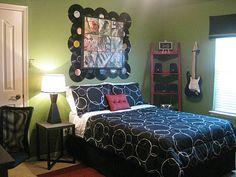 Rock n roll bedroom decor Teen Girl Bedrooms, Teen Bedroom, Rock Bedroom, Bedroom Fun, Music Bedroom, Bedroom Retreat, Dream Bedroom, Bedroom Wall, Bedroom Themes