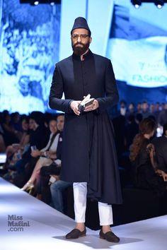 Saif Ali Khan, Randeep Hooda and Kunal Kapoor add star power at GQ India's Fashion Nights. Menswear enthusiasts... You can't miss this!