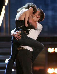 Ryan Gosling and Rachel McAdams best kiss at the 2005 MTV movie awards