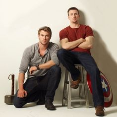 The Daily Record interviewed Chris Hemsworth (Thor) and Chris Evans (Captain America) on comic books and fans respectively. Here's Chris Hemsworth if he was a fan of comic books. The Avengers, Avengers Symbols, Chris Hemsworth, Jeremy Renner, Stucky, Chris Pratt, James Mcavoy, Christian Grey, Michael Fassbender