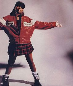 Mary J Blige hip hop fashion. Hipster Outfits, 90s Hip Hop Outfits, 90s Outfit, Tomboy Outfits, Hip Hop Party, Urban Fashion, 90s Fashion, 90's Hip Hop Fashion, Queer Fashion