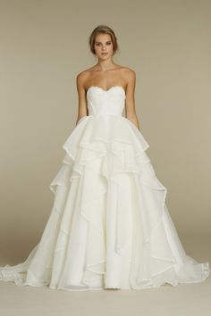 pretty wedding dress!!!