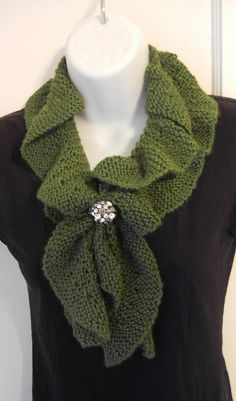 Ravelry: Knit Ruffle Scarf pattern by Heather Castle, Castle Creations