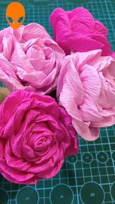 The Effective Pictures We Offer You About DIY Fabric Flowers shabby A quality picture can tell you many things. You can find the most beautiful pictures that can be presented to you about DIY Fab Paper Flowers Craft, Paper Crafts Origami, Easy Paper Crafts, Flower Crafts, Diy Flowers, Fabric Flowers, Origami Flowers, Crafts With Tissue Paper, Diy Paper Roses