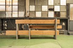 Estante Attraverso / Giacomo Moor  | modular furniture, plug & stand (buckling?)