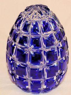 Cobalt Blue Cut Crystal Egg w/Brass Stand Im Blue, Love Blue, Blue And White, Cobalt Glass, Cobalt Blue, Cut Glass, Glass Art, Crystal Egg, Easter Eggs