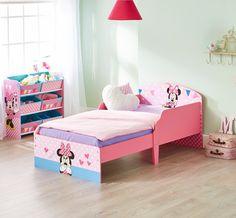 Cama infantil de madera con Minnie Mouse #Disney ideal para realizar el cambio de la cuna a la cama. #juvenilesoutlet #camasinfantiles #mueblesminniemouse #minniemouse