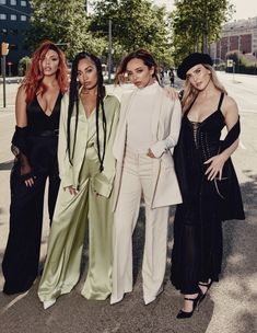 Jesy Nelson, Perrie Edwards, Shawn Mendes Taylor Swift, Little Mix Outfits, Litte Mix, Celebrity Bodies, Sabrina Carpenter, Girl Bands, All About Fashion