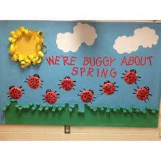 Springtime preschool bulletin board..noe I have to plan a bug week so ...