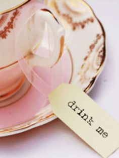 "Alice in Wonderland ""drink me"" tags - Disney wedding ideas"