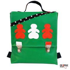 5ed38d0e32 Cartable maternelle /sac à dos /sacoche original pop vert rabat applique  poupée orange blanc