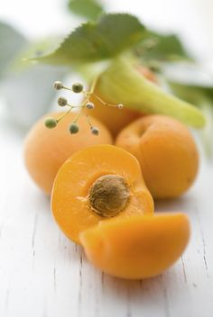 Dont miss out on an acne cure that could really help Cellulite, Image Fruit, Peau D'orange, Apricot Tree, Drainage, Fruits Images, Best Natural Skin Care, Fibres, Vitamin E