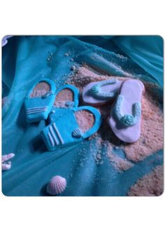 Special flip flops on the sand!