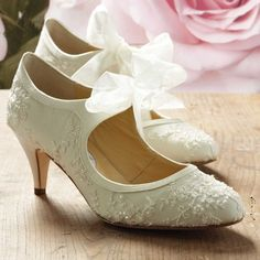 Miss Alice - The epitome of vintage chic, this dainty Mary Jane style mid height wedding shoe comes with a velvet AND chiffon ribbon to tie them with. This classic style bridal shoe with kitten heal is simply stunning and the perfect match to a vintage style wedding dress.