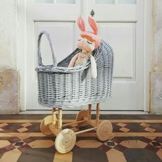 The place where wicker appears in a new fashion style. Dolls Prams, Bassinet, Wicker, Little Girls, Wood, Furniture, Home Decor, Style, Swag