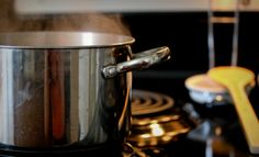Cooking for Thanksgiving? Tasty dishes = percent of your home's electric bill.gov shares some great cooking efficiency tips! Energy Use, Save Energy, Energy Saving Tips, Electric House, Energy Bill, Energy Efficiency, Food Preparation, Tasty Dishes, Cooking Tips