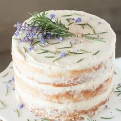 Rosemary Lavender Cake Rosemary, lavender and honey blend together to make this irresistible cake. Just Desserts, Delicious Desserts, Yummy Food, Tasty Snacks, Spring Desserts, Unique Desserts, Baking Recipes, Cake Recipes, Dessert Recipes