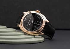 Laurent Ferrier - Square Micro-Rotor Retro | Time and Watches | The watch blog Watch Blog, Watch News, Alain Silberstein, Romain Jerome, Favre Leuba, Apple Watch 1, Dress Watches, Retro Watches, Richard Mille