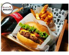 Hamburguesa con queso y papas  Gauchos