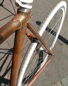 BORDEAUX CYCLE CHIC: Fixie version vintage