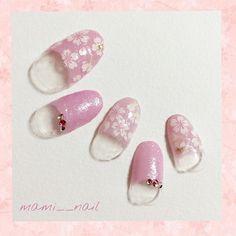 mami__nail.+* 桜 フレンチネイル 。:+ ・ ♡ ・ 前回のホワイトデーネイルに続いて春ネイルを‧⁺✧︎* . 何人かのフォロワー様から 桜ネイルのリクエストを頂いたので 100円ショップのアイテムで 桜満開 フレンチネイルを作ってみました! . キャンドゥのシュガーネイルに ダイソーの桜柄ネイルシールをランダムに貼った 簡単なアートです°*.*. . お花見はもちろん、 入学式や、卒業式の袴にもo( ・∀︎・*)ノ . . 《 使用カラー 》 *キャンドゥ シュガーネイル( グレープ ) . . 2016. 2. 21 ( Sun ) ・ ♡ ・ #nails #nailart #ネイル #セルフネイル #マニキュア #ネイルアート #桜ネイル #和柄ネイル #卒業式ネイル #着物ネイル #フレンチネイル #ピンクネイル #和柄 #袴 #着物 #桜 #100均 #プチプラネイル