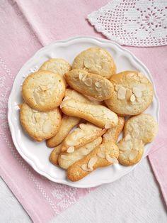 I biscotti della zia: Biscotti alle mandorle e limone (con solo albumi e senza grassi)