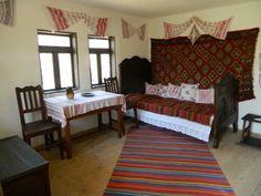 mobila traditionala romaneasca - Búsqueda de Google Traditional Interior, Traditional House, Mobiles, Romania, Household, Sweet Home, House Design, Interior Design, Houses