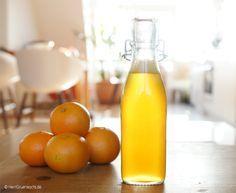 Ein chinesisches Sprichwort sagt: »In einem Glas Mandarinensirup steckt die Kraft von 10 Weisen.« Oder waren es 100? Mh. Also irgendwas mit Mandarinen halt. I