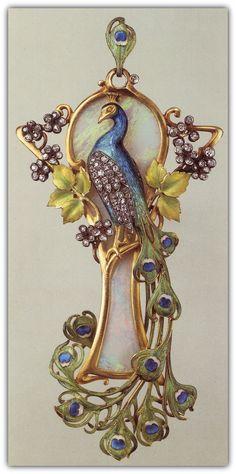 Maison Vever | Art Nouveau Peacock Pendant.