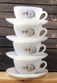 "Vintage French Arcopal Cups and Saucers ""Daisy"" Pattern 1970s // Pretty French Country White Milk Glass Espresso Cups circa 70s Set of 4 on Etsy, $24.00"