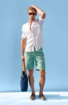 Perfect summer outfit: \with a simple white linen shirt and shades. Like the mint shorts too Guy Fashion, Fashion Moda, Fashion 2015, Fashion Trends, Fashion Outfits, Fashion Shoes, Fashion Inspiration, Nail Fashion, Fashion Wear