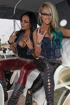 Carla Harvey and Heidi Shepherd - Butcher Babies Butcher Babies, Heavy Metal Girl, Heavy Metal Music, Rocker Girl, Rocker Chick, Style Punk Rock, Ladies Of Metal, Women Of Rock, Female Guitarist