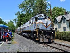 RailPictures.Net Photo: DL 3643 Delaware Lackawanna MLW M636 at Portland, Pennsylvania by Matthew Herman