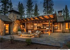 mountain homes This modern mountain home was designed by Ryan Group Architects along with Vineyard Custom Homes, located in Martis Camp, California. Mountain Home Exterior, Modern Mountain Home, Mountain Homes, Mountain Living, Mountain House Plans, Modern Rustic Homes, Pergola Designs, Pergola Kits, Pergola Ideas