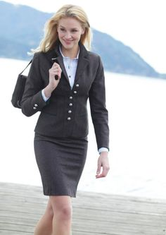 What to Wear to Work: Timeless Suits for Women Business Outfits, Business Attire, Office Outfits, Business Women, Office Attire, Work Outfits, Business Casual, Office Fashion, Grey Fashion
