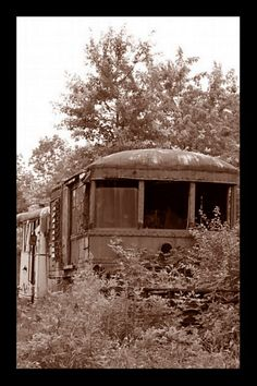 This is an old Interurban car that ran from Columbus to Newark Ohio in the early 1900's.  http://www.granvillehistory.org/HistoricalTimes/HistTimes199101.pdf  Photograph by Coby Beach Knoxville,Tn.