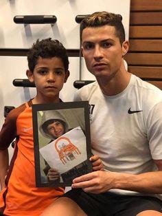 #موسوعة_اليمن_الإخبارية l رونالدو يرد على ميسي....النجم البرتغالي يسلط الضوء مجددا على أزمة أطفال سوريا