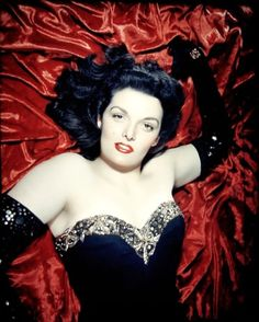 Jane Russell the original pin-up girl Hooray For Hollywood, Hollywood Icons, Old Hollywood Glamour, Golden Age Of Hollywood, Vintage Hollywood, Hollywood Stars, Hollywood Actresses, Classic Hollywood, Hollywood Divas