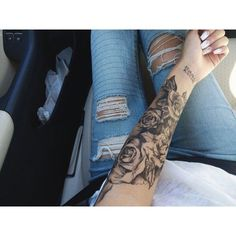 Pictures of rose tattoos on arm – Tattoo 2020 Great Tattoos, Trendy Tattoos, Body Art Tattoos, Girl Tattoos, Tatoos, Hand Tattoos, Tattoos Pics, Tattoos Gallery, Tattoo Images