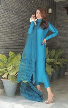 Stylish Dresses For Girls, Stylish Dress Designs, Designs For Dresses, Simple Dresses, Beautiful Dresses, Dress Indian Style, Indian Fashion Dresses, Indian Designer Outfits, Silk Kurti Designs