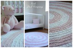 Johanna Company: Vaaleanpunainen virkattu matto - Ljusröd virkad matta