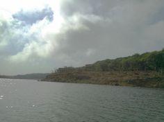 Veena lake looks so beautiful even under bright sun!!!!