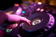 London Wedding DJ - Live Music Management Looking for a DJ for a wedding in London? Then contact www.lmmuk.com for best options from around £325